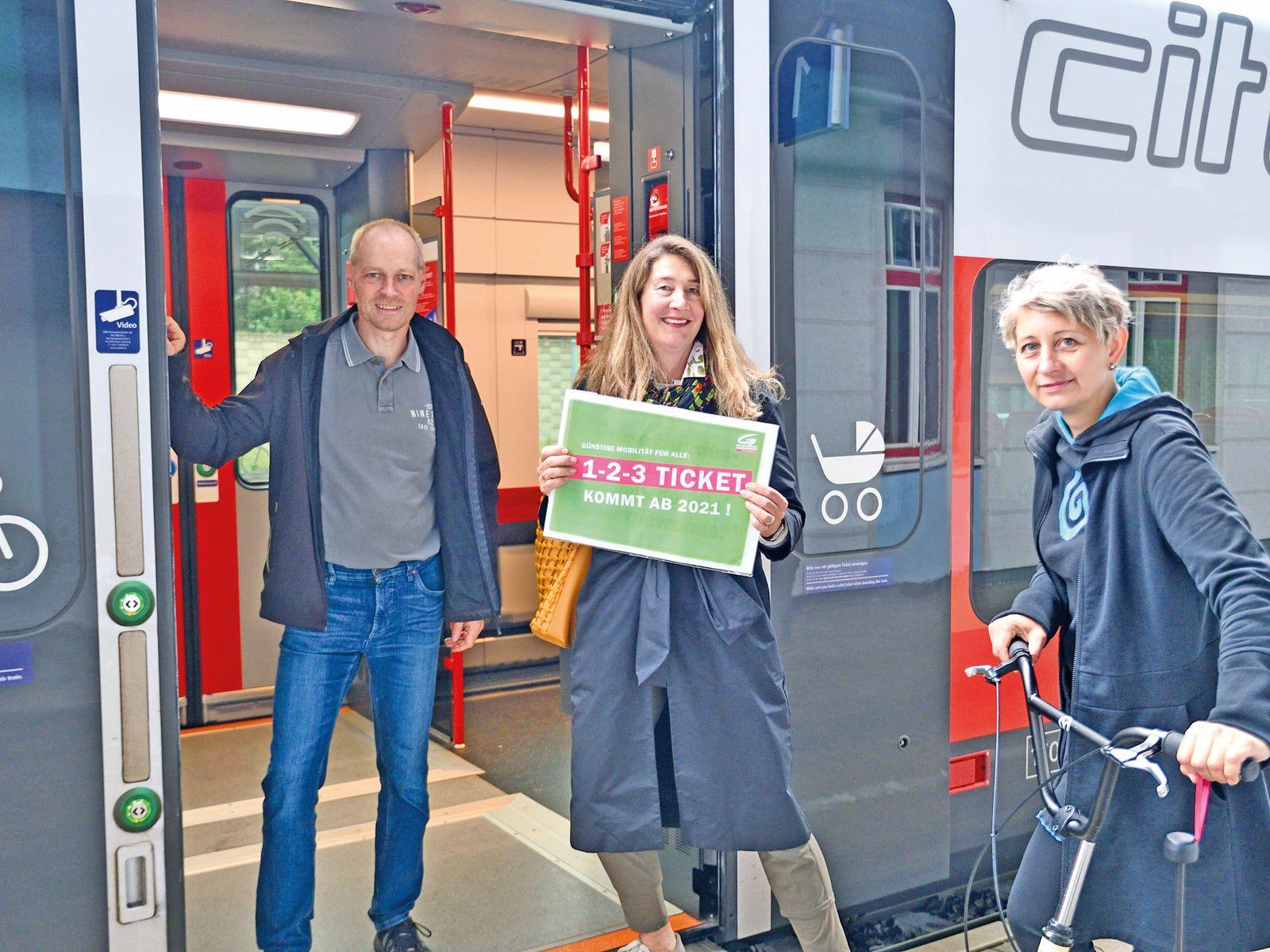 IC- / Railjet- / Westbahn-Halt in Vöcklabruck und 1-2-3 Ticket